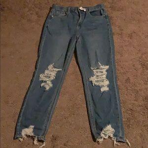 ❤️NWT❤️American Eagle SHORT mom jeans